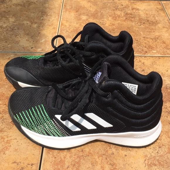 أنا موافق زنبق تغطية adidas size 3
